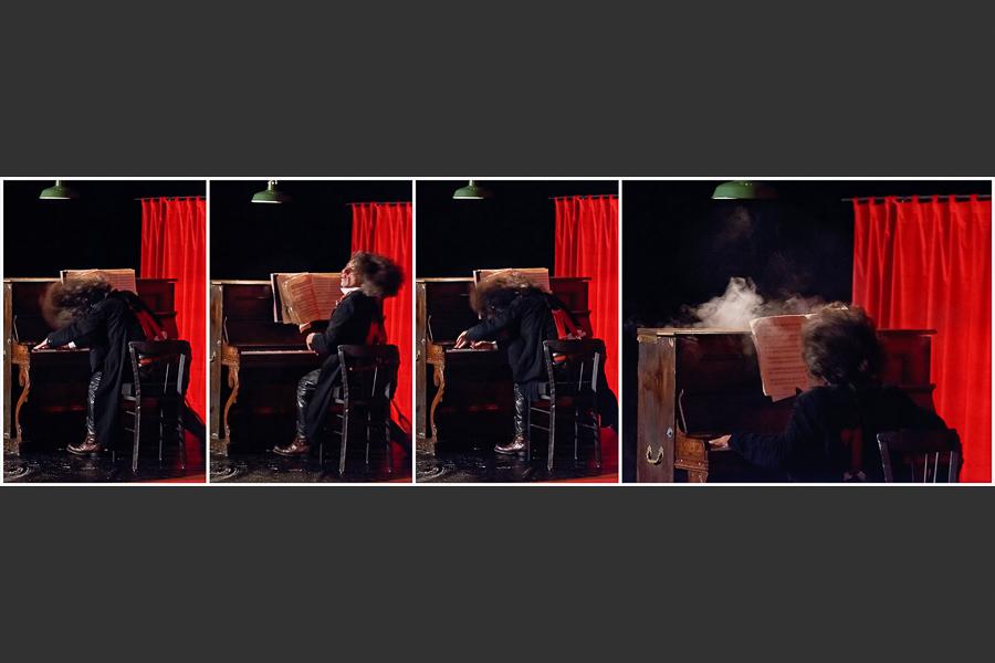 Buno - Jeu destroy au piano