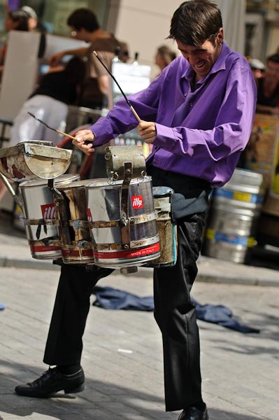 Chalon dans la rue - Residual Gurus, the trash converters mantra trip band
