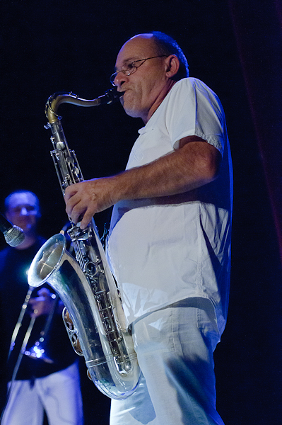 Le saxophoniste en plein solo