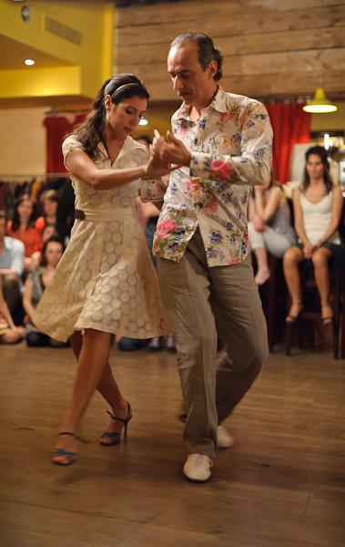 Démonstration de danse de Tango dans un restaurant à tapas