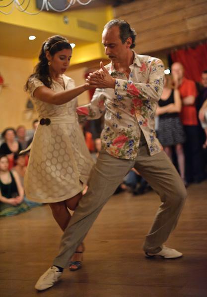 démonstration de danse de couple de style tango