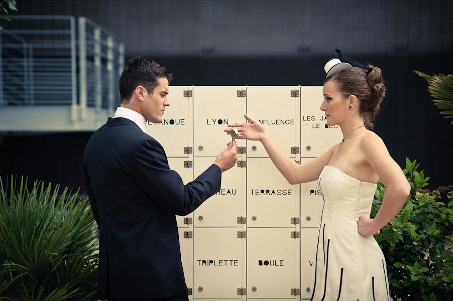 L'épouse donne les clés de sa vie à son mari ?