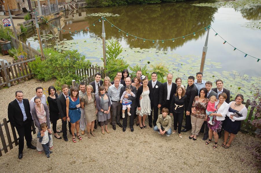 Portrait de groupe devant l'étang