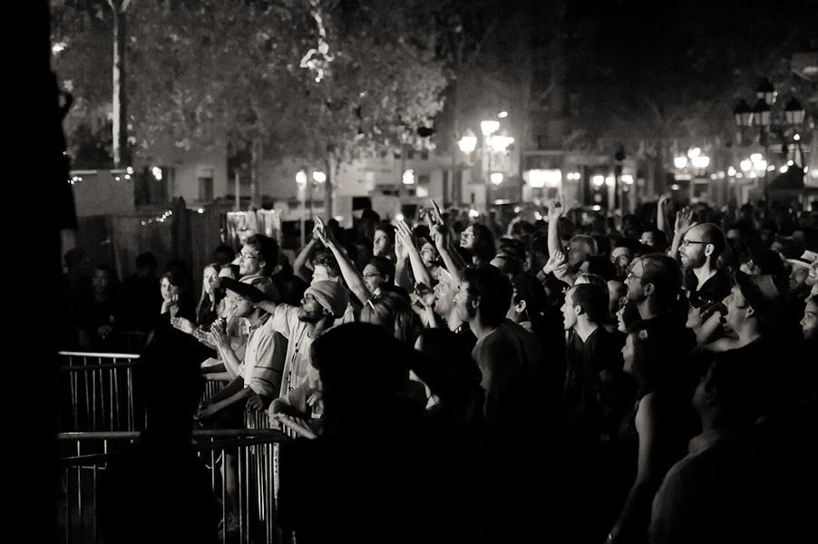 Plan de la foule de spectateur vue depuis le bord de scène